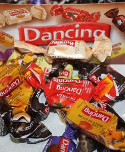 bombones-dancing